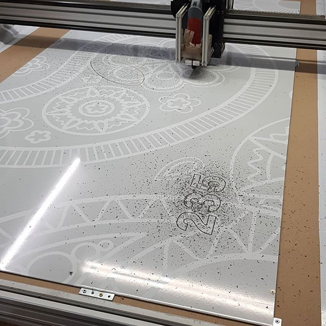 New signboard being cut. We have added a digital print pattern to the board. To place your order whatsapp me: Mak of Big Print Birmingham on 07702153393