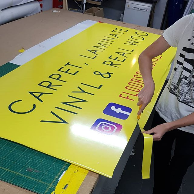@floorsryours_stirchley Signboard being trimmed down To place your order whatsapp me: Mak of Big Print Birmingham on 07702153393