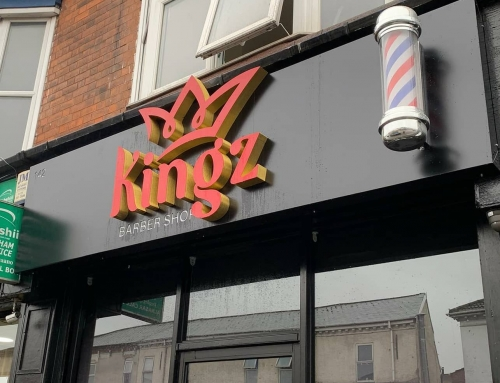 New signboard went today. This one was for @kingz_barber1 on Stratford Road, Birmingham Check them out. To place an order for a signboard, If at all possible PLEASE whatsapp me on 07702153393