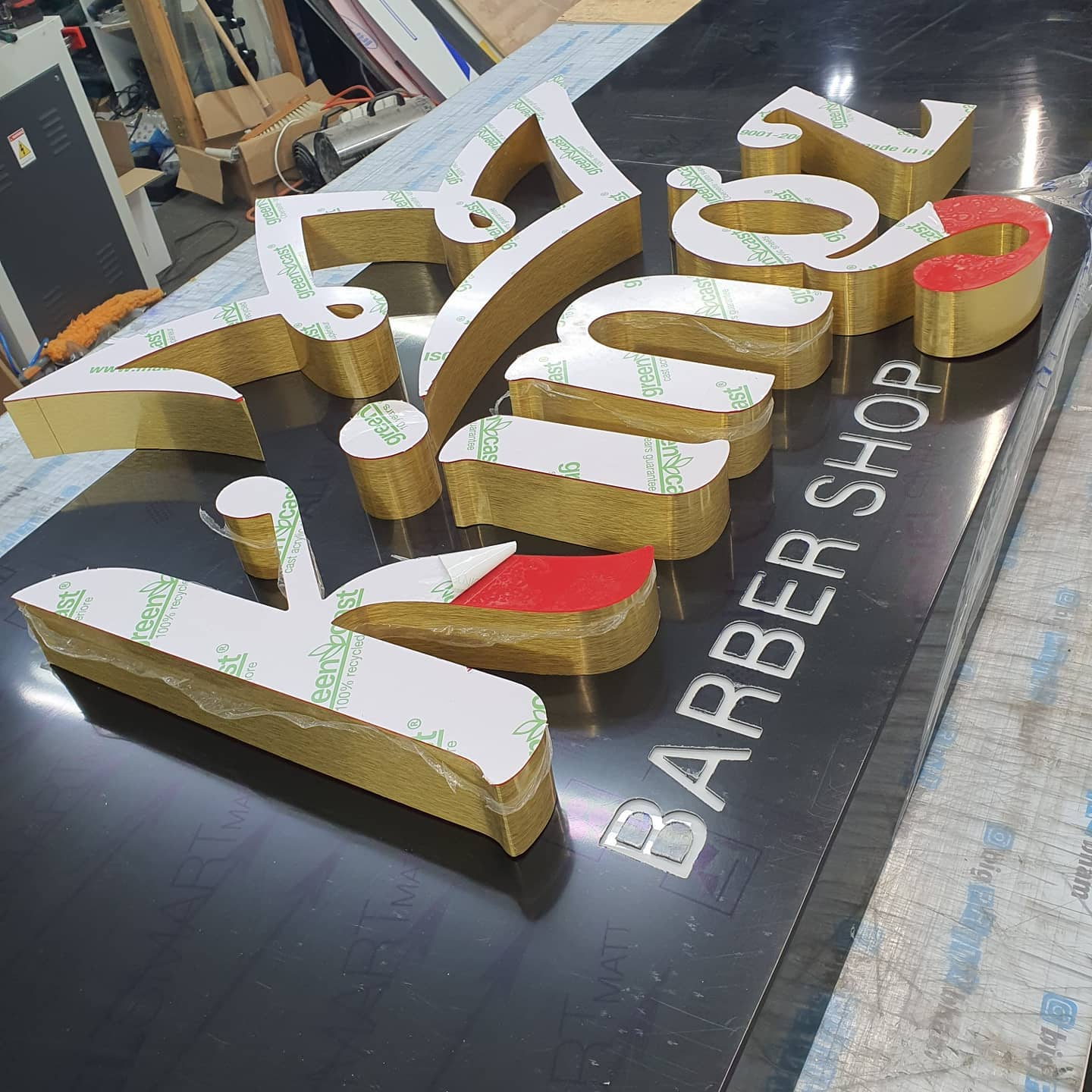 Signboard for @kingz_barber1 What do you think? To place an order for a light up 3D signboard, If at all possible PLEASE whatsapp me on 07702153393